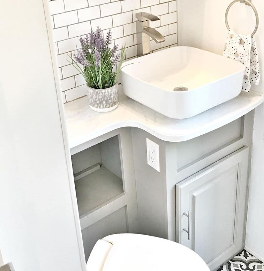 24 Rv Bathroom Remodels For Inspiration Before And After Pictures