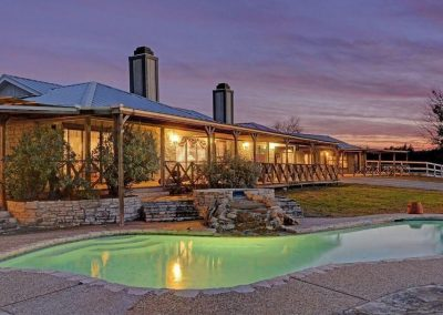 The Estate on Lake Travis VRBO. A perfect Rental for Weddings.
